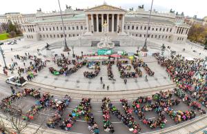 """Aktion von """"System Change, not Climate Change!"""" vor der COP 22"""