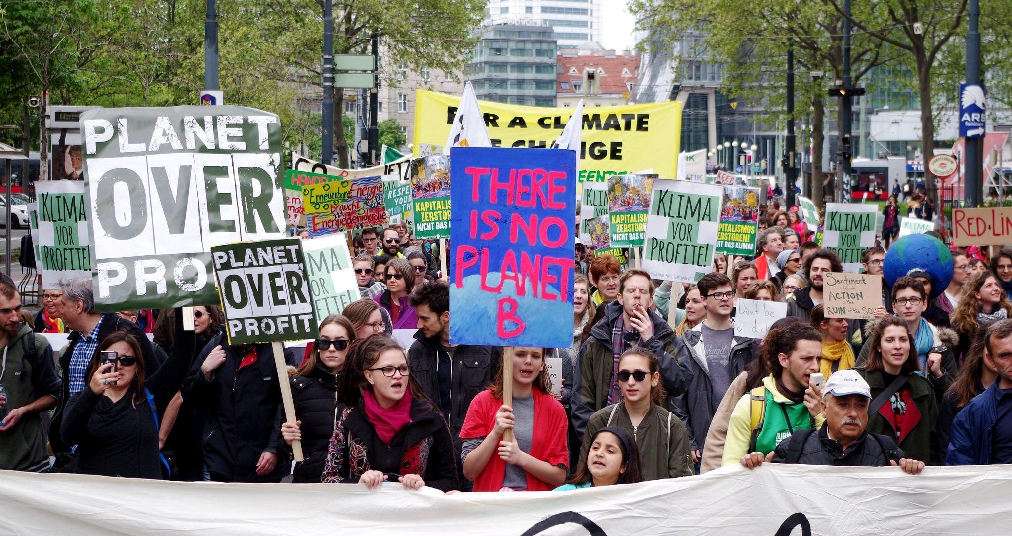 "Climate March 11. November ""Klima schützen, Leben retten"""
