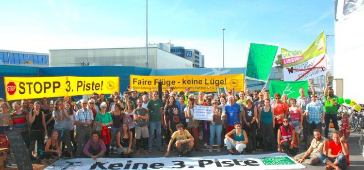 Hunderte demonstrieren gegen Flughafenausbau Wien
