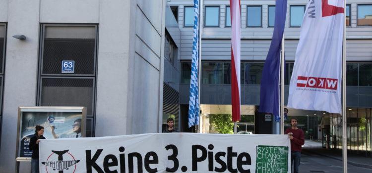 Presseaktion vor WKO: Kein Abbau von Umweltschutz als Reaktion auf 3. Piste