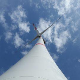 Regierung muss erneuerbare Energien fördern statt fossile Großprojekte
