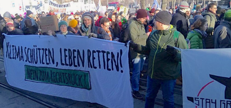 System Change, not Climate Change! protestiert gegen Pläne der schwarz-blauen Regierung