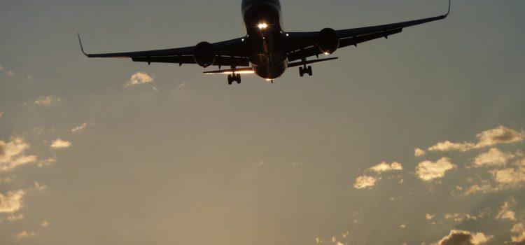 Nationalrat beschließt Halbierung der Flugabgabe