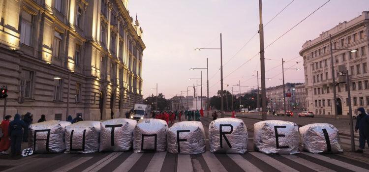 Klima-Aktivist*Innen gegen die Autolobby: Die Hintergründe der Blockade